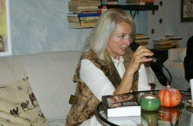 Zdjęcia ze spotkania autorskiego z Elżbietą Wardęszkiewicz